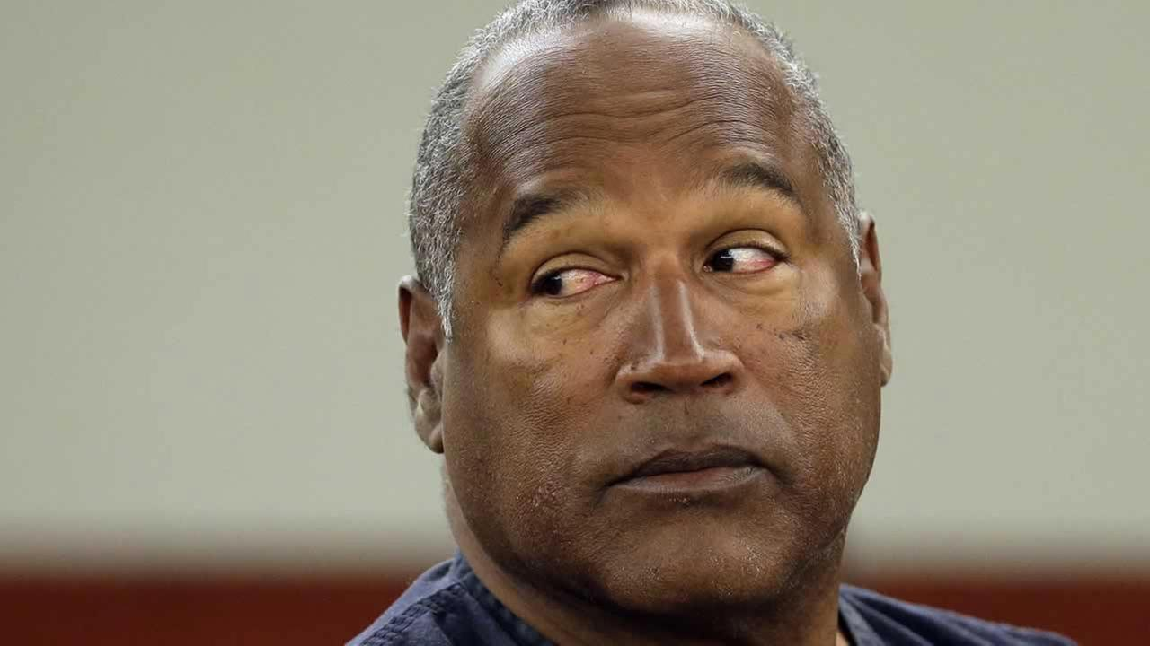 Knife at OJ Simpson's house is inconsistent with murder weapon