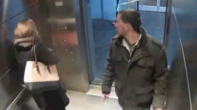 Грабитель пытавшийся ограбить женщину получил выстрел в шею от своей жертвы