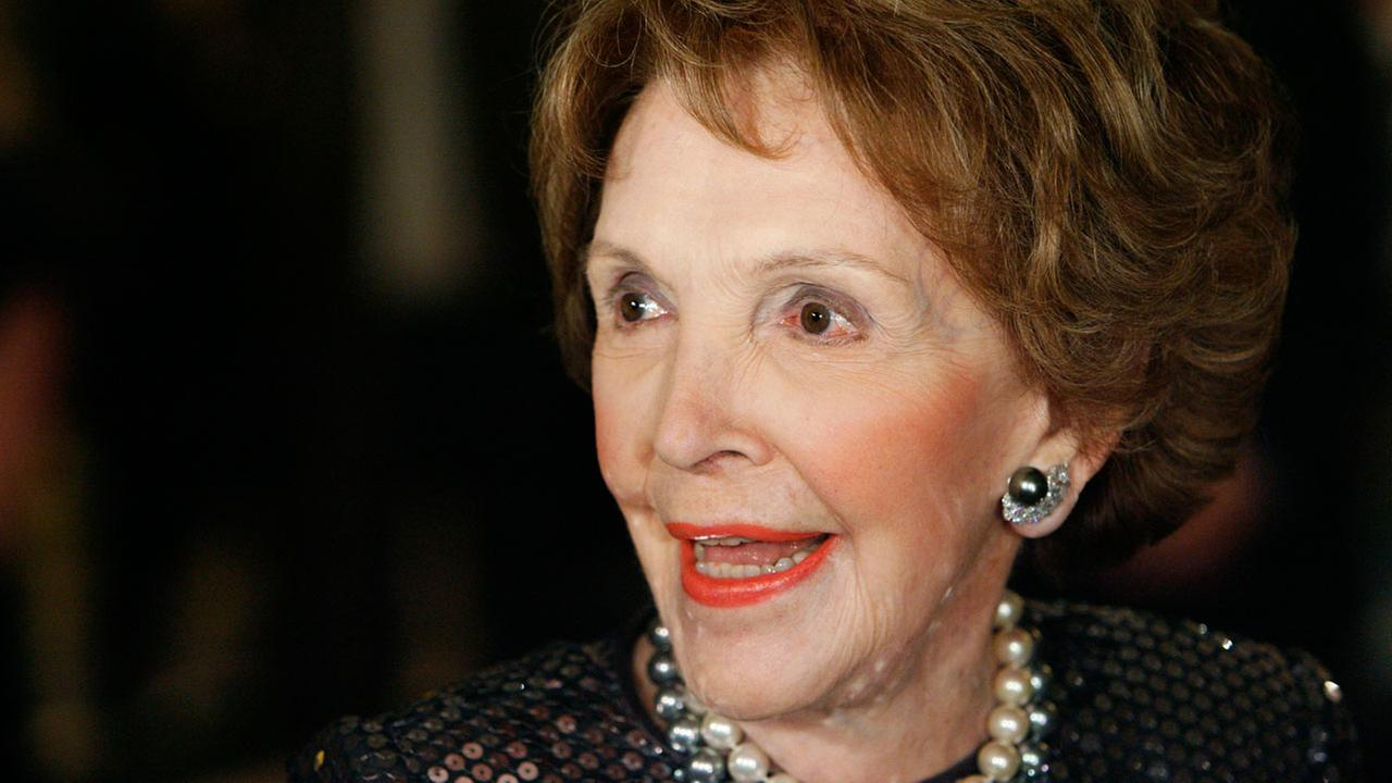 Former first lady Nancy Reagan arrives at the 2007 Ronald Reagan Freedom Award gala dinner honoring former president George H.W. Bush in Beverly Hills, Calif., on Feb. 6, 2007.