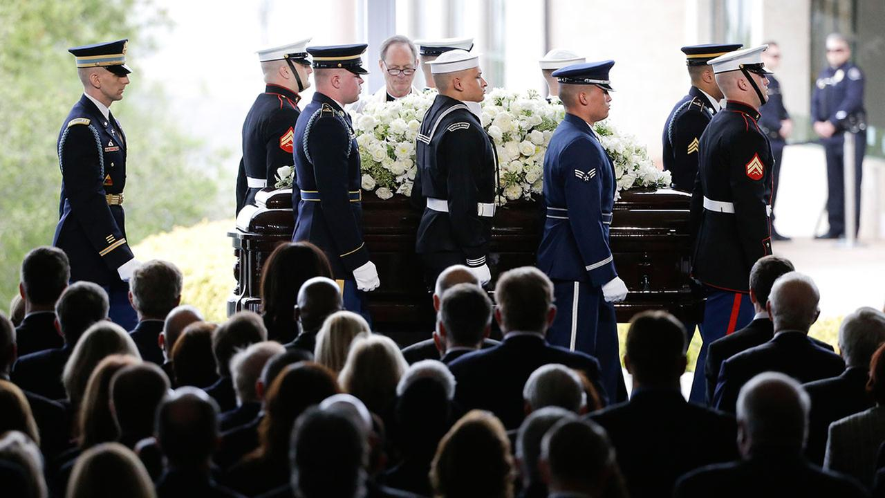 The casket carrying Nancy Reagan arrives for the funeral service at the Ronald Reagan Presidential Library, Friday, March 11, 2016 in Simi Valley, Calif.