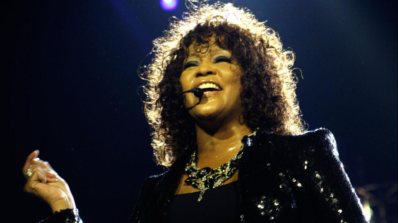 An official Whitney Houston documentary is in the works from Oscar-winning filmmaker Kevin Macdonald.