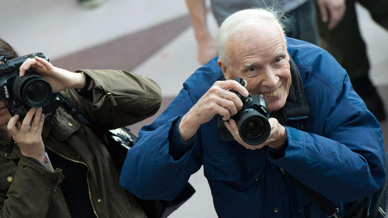Bill Cunningham takes photos at New York Comic-Con on Saturday, Oct. 13, 2012 in New York.