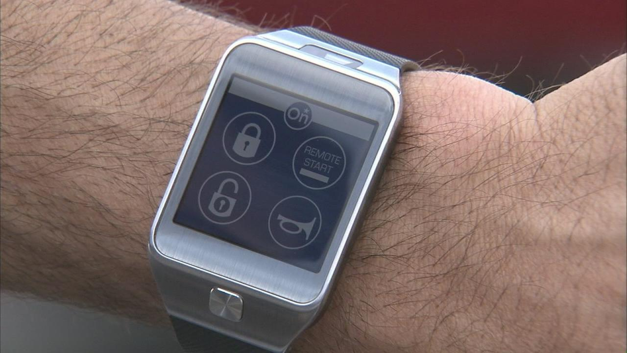 Smartwatches will soon allow you to lock and unlock your car, honk the horn, and set the temperature.