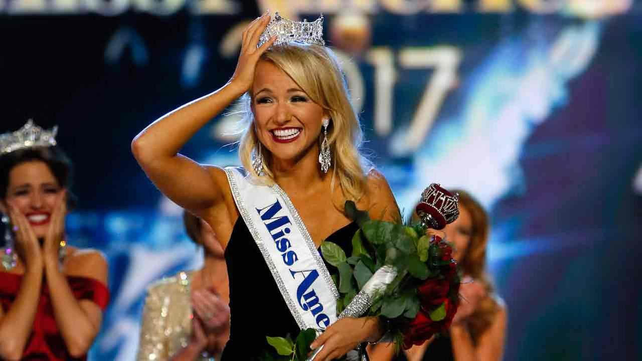 Miss Arkansa Savvy Shields reacts after being named new the Miss America 2017. Sunday, Sept. 11, 2016, in Atlantic City, N.J.