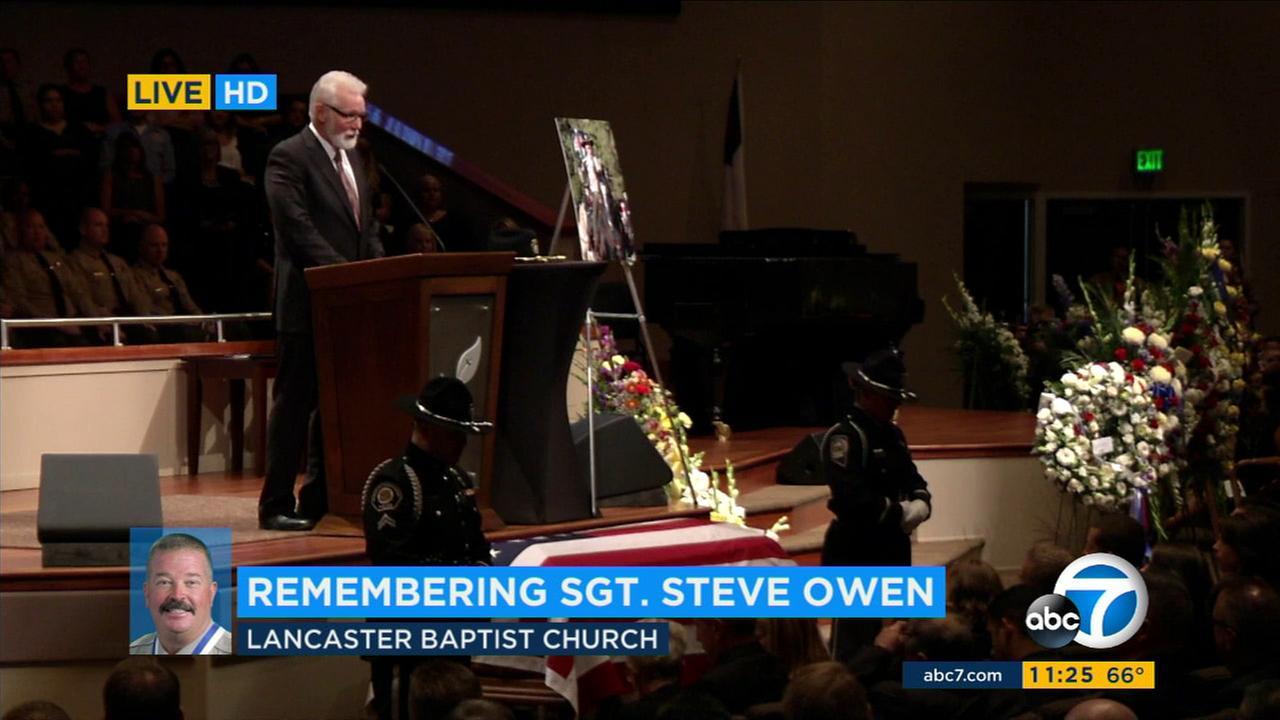 Lancaster Mayor Rex Parris speaks at a memorial service in honor of fallen L.A. County sheriffs Sgt. Steve Owen on Thursday, Oct. 13, 2016.KABC
