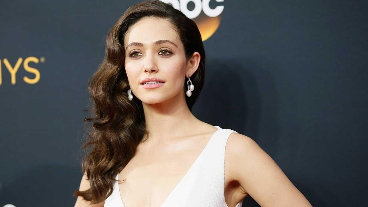 Emmy Rossum thanks LAPD amid $150K burglary report