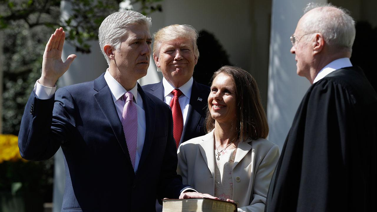 Neil Gorsuch becomes 113th justice of U.S. Supreme Court