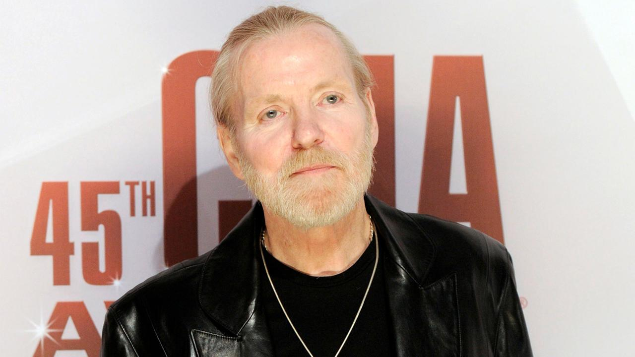 In this Nov. 9, 2011 file photo, singer Gregg Allman arrives at the 45th Annual CMA Awards in Nashville, Tenn.