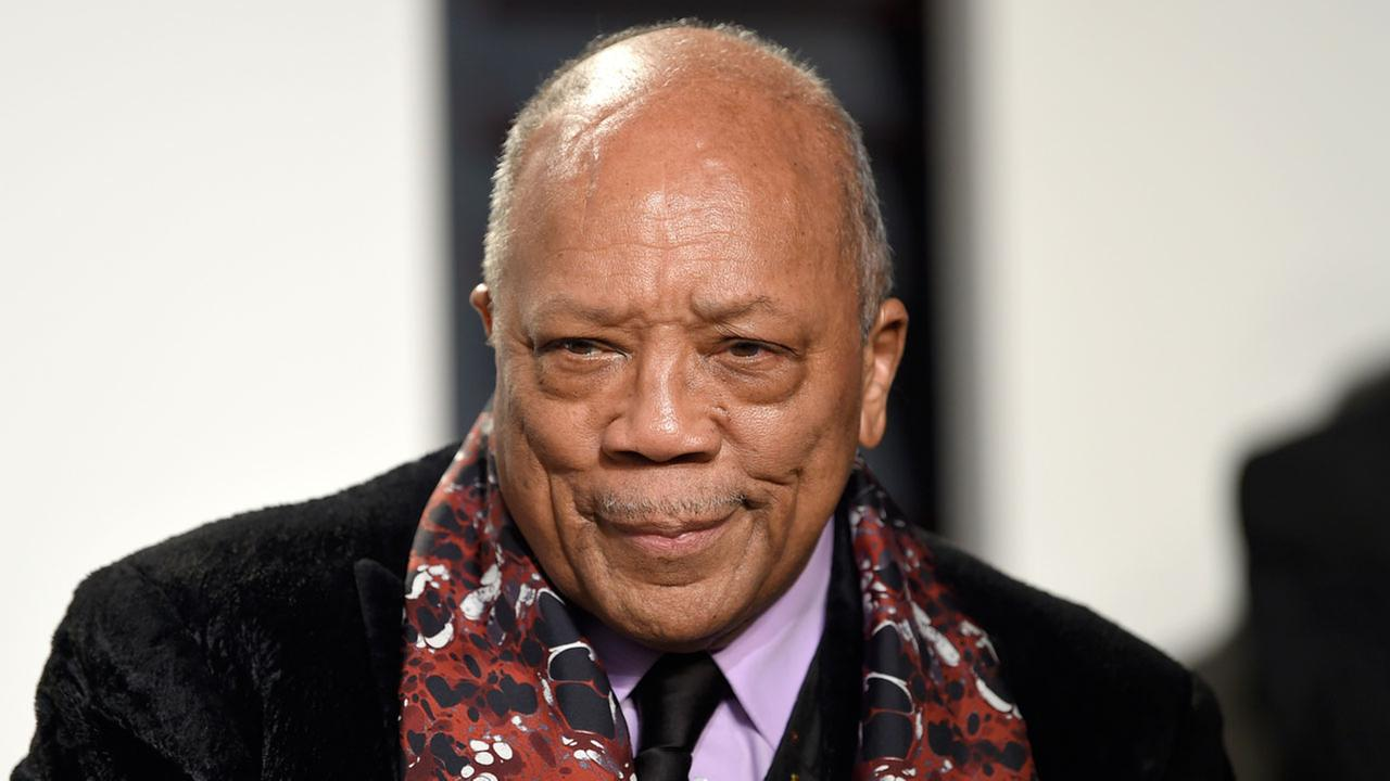 Quincy Jones arrives at the Vanity Fair Oscar Party on Monday, Feb. 27, 2017, in Beverly Hills, Calif.