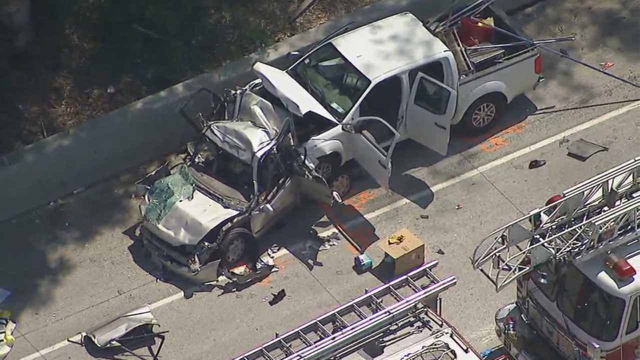 4 killed in three-vehicle crash on 10 Freeway in Fontana