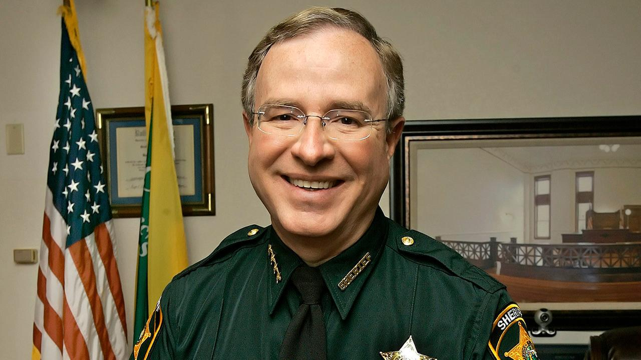 Florida Sheriff Plans to Check for Warrants at Hurricane Shelters