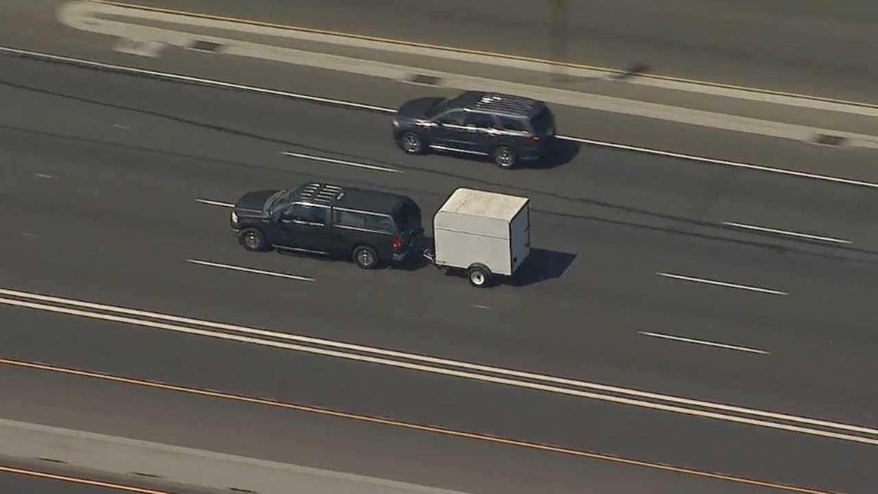 Deputies chase suspect in reported stolen car in San Bernardino, LA counties