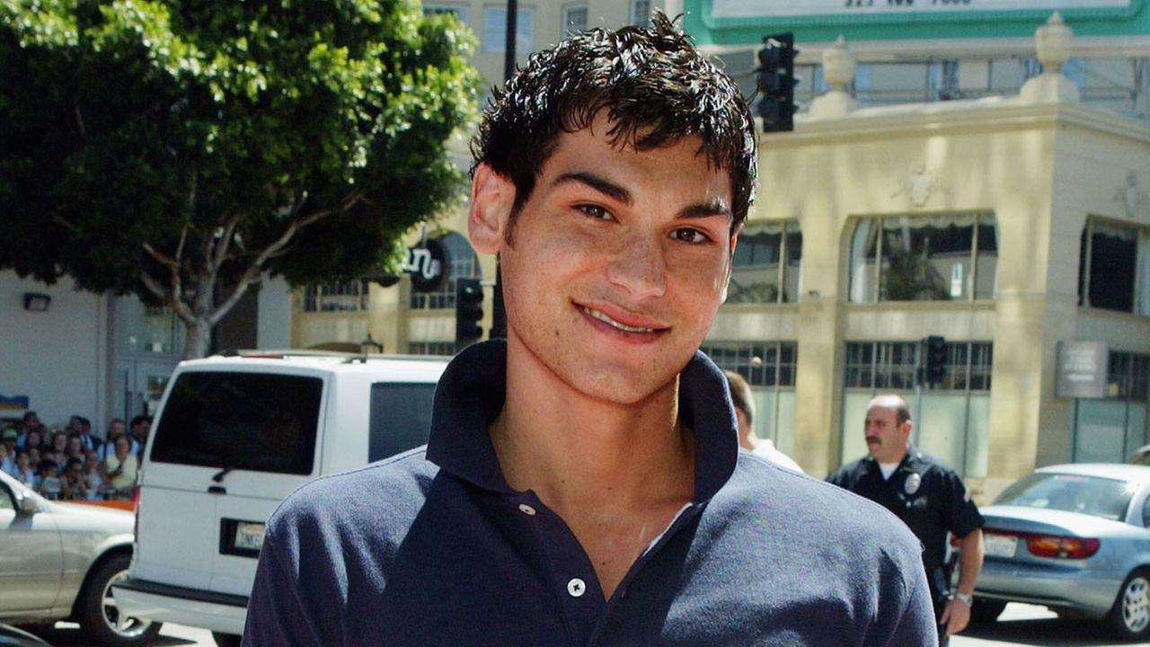 Actor Brad Bufanda arrives at the premiere of Warner Bros. A Cinderella Story on July 10, 2004 at the Chinese Theatre, in Los Angeles, California.