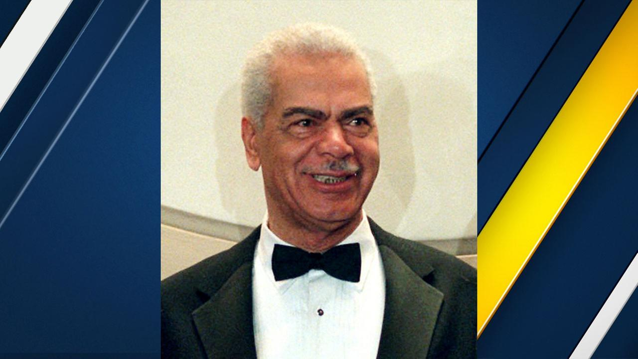 In this Feb. 3, 1997, file photo, Earle Hyman poses before an induction to the Theater Hall of Fame at the Gershwin Theatre in New York.