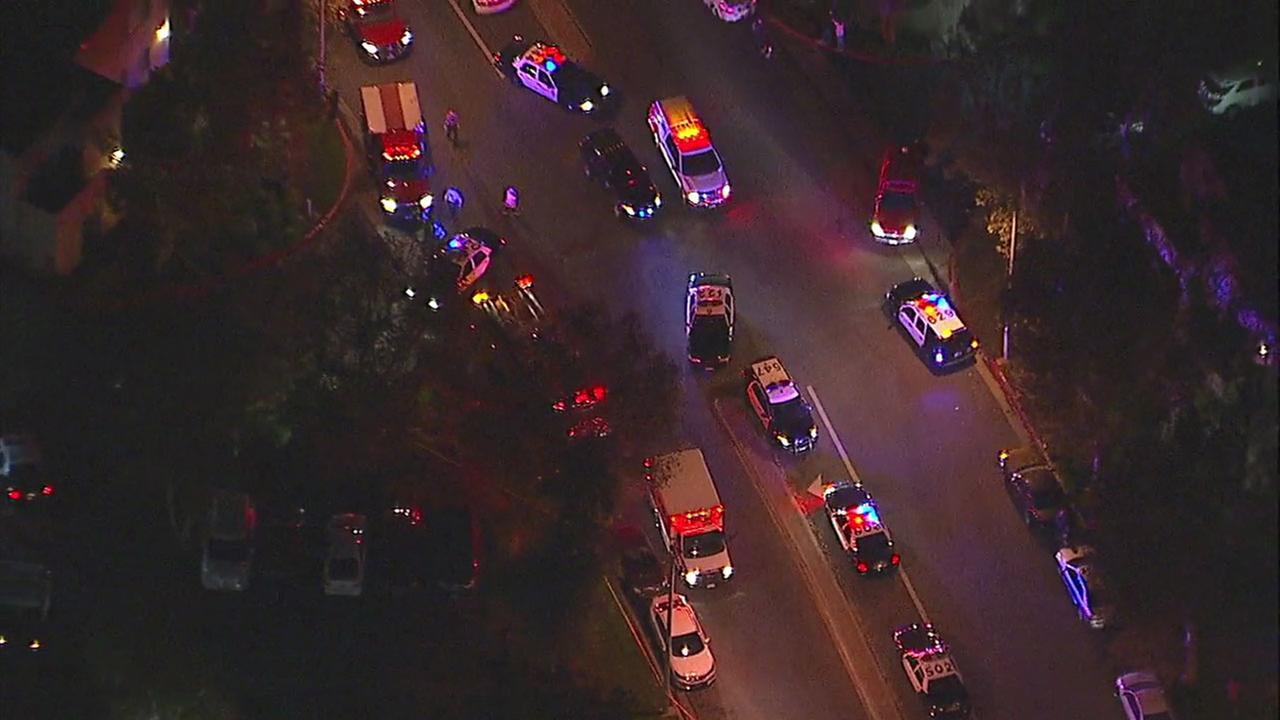 Los Angeles sheriff's deputy, suspect wounded in shootout