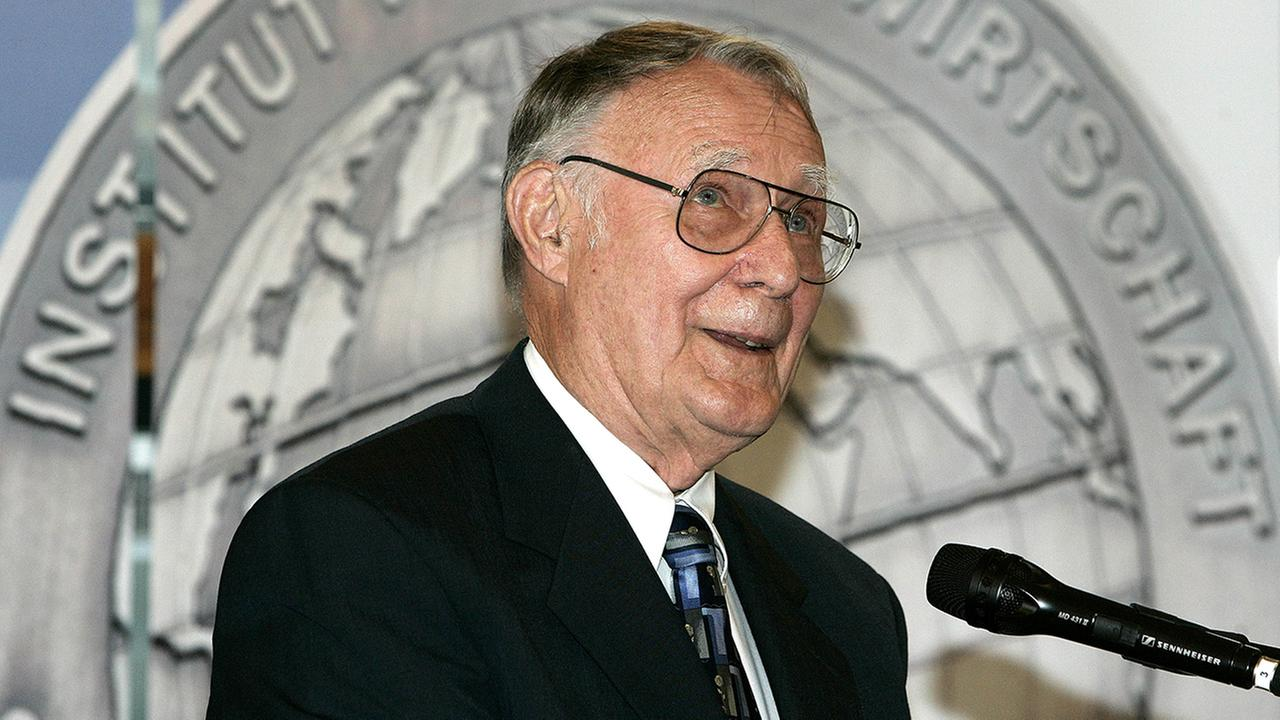 Swedens IKEA-founder Ingvar Kamprad delivers his speech after he was awarded the Global Economy Prize 2007 in Kiel, northern Germany, on Sunday, June 17, 2007.
