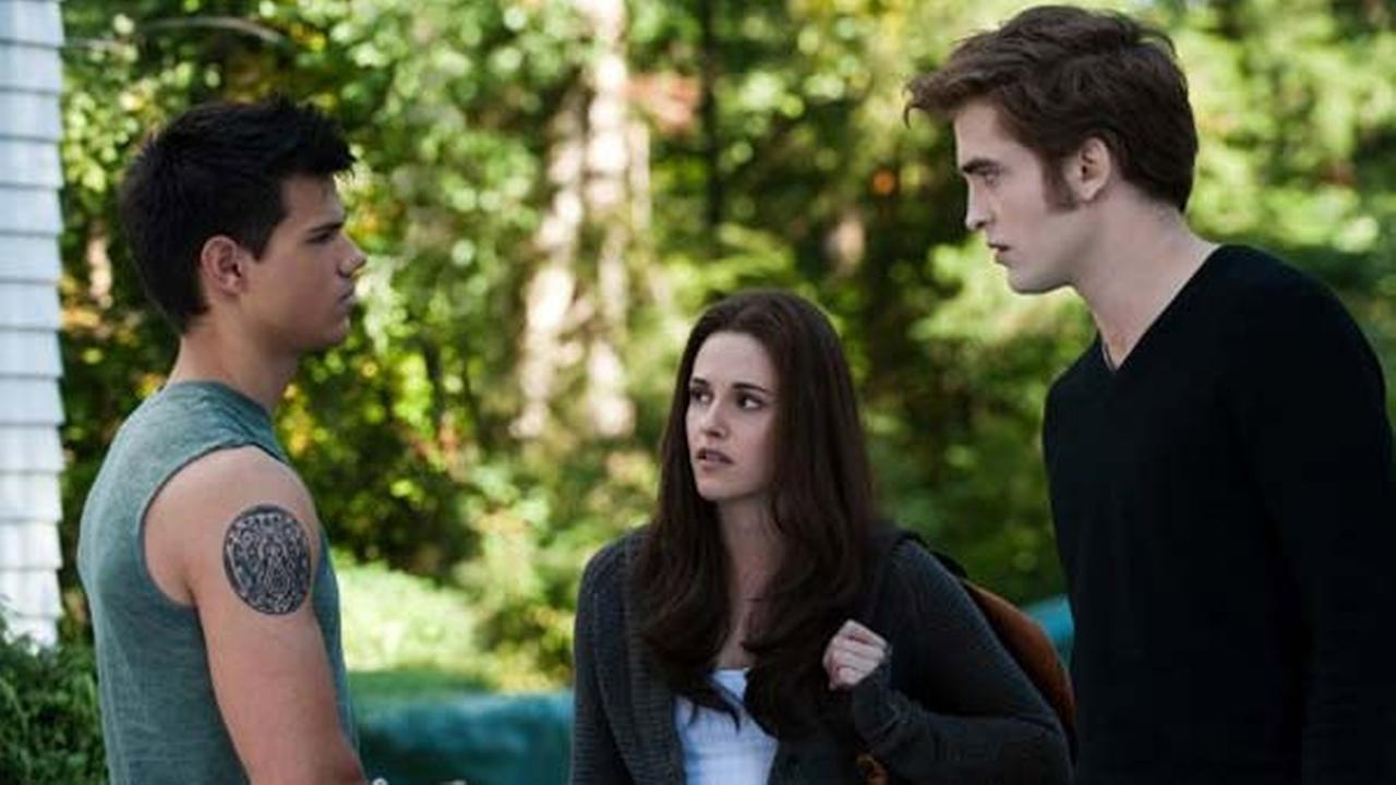 Taylor Lautner, Kristen Stewart and Robert Pattinson are shown in a scene from, The Twilight Saga: Eclipse.