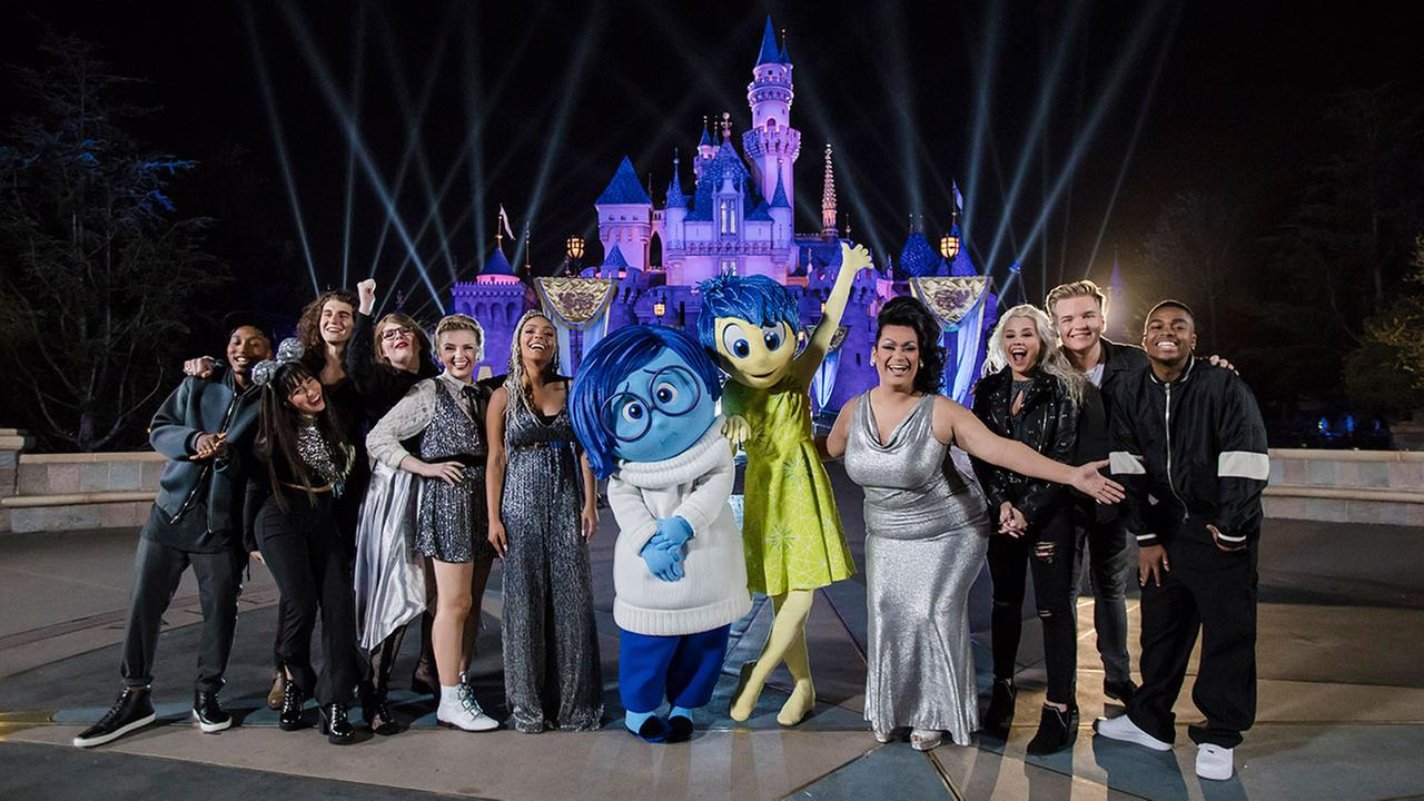 The top 10 American Idol contestants started the week with a trip to Disneyland and ended it with live performances of Disney film songs.