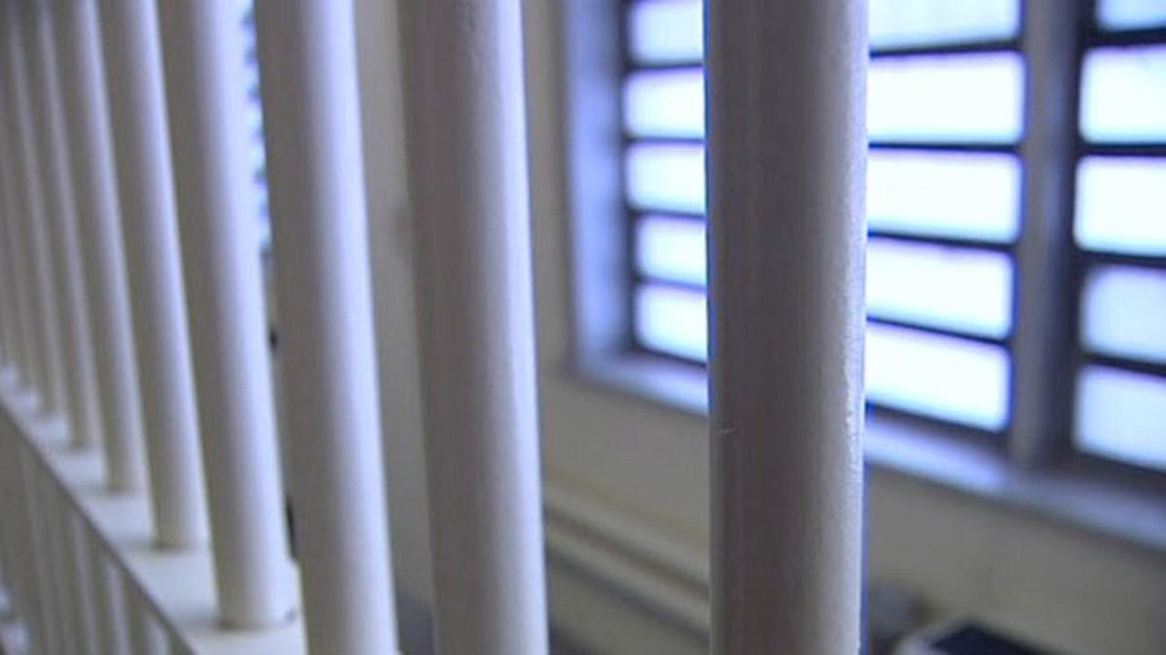 Orange County Jail inmate dies after going into cardiac arrest during booking