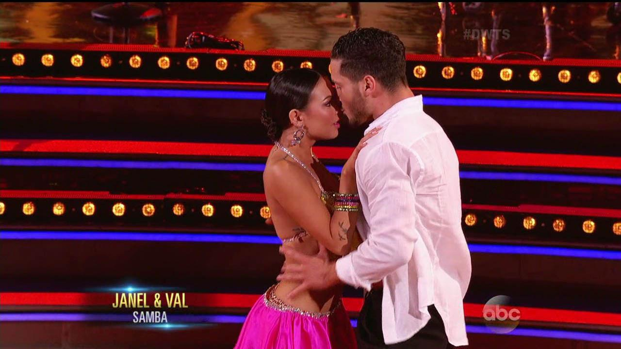 Janel Parrish and Val Chmerkovskiy performed the Samba during week 6 of Dancing With The Stars.