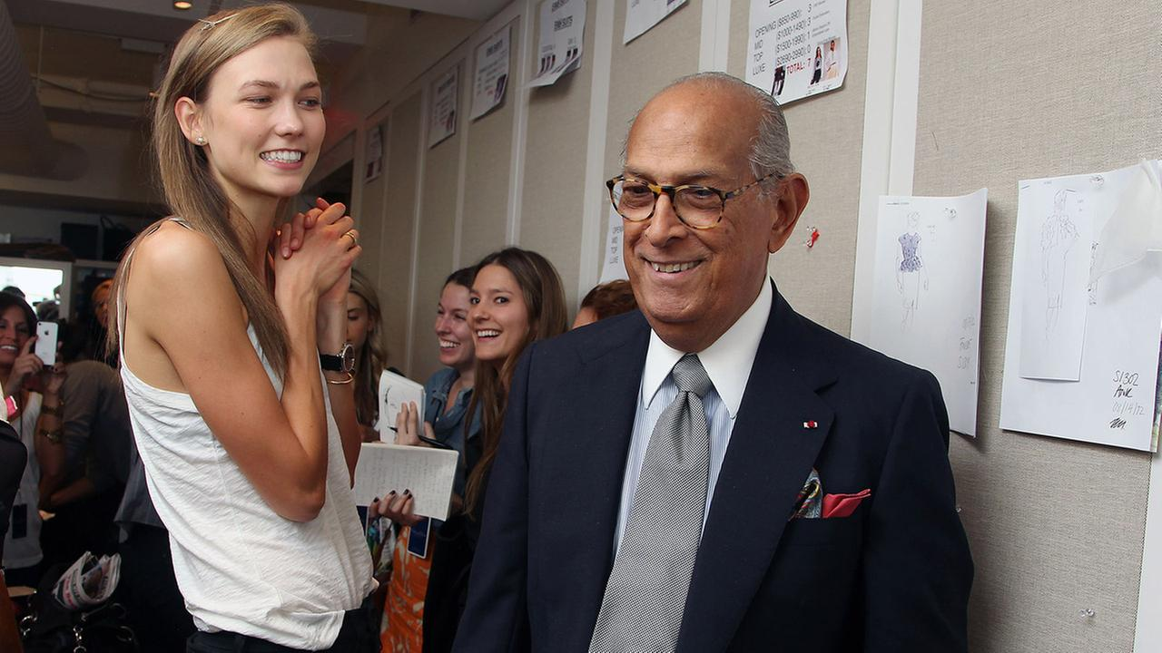 Legendary fashion designer Oscar de la Renta died at his Connecticut home on Monday, Oct. 20, 2014. The 82-year-old had been battling cancer since 2006.  AP Photo/Starpix, Amanda Schwab
