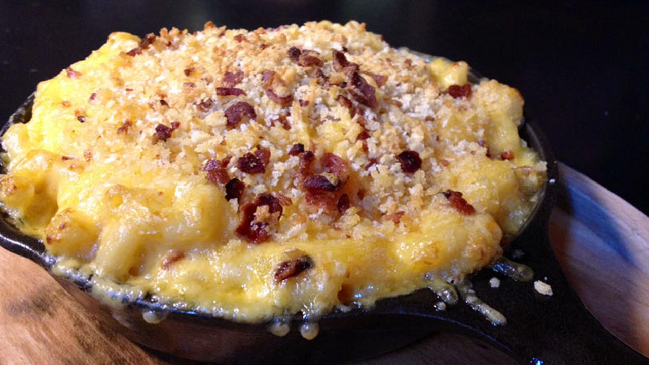 Mac n cheese from Beer Belly in the Koreatown area of Los Angeles.
