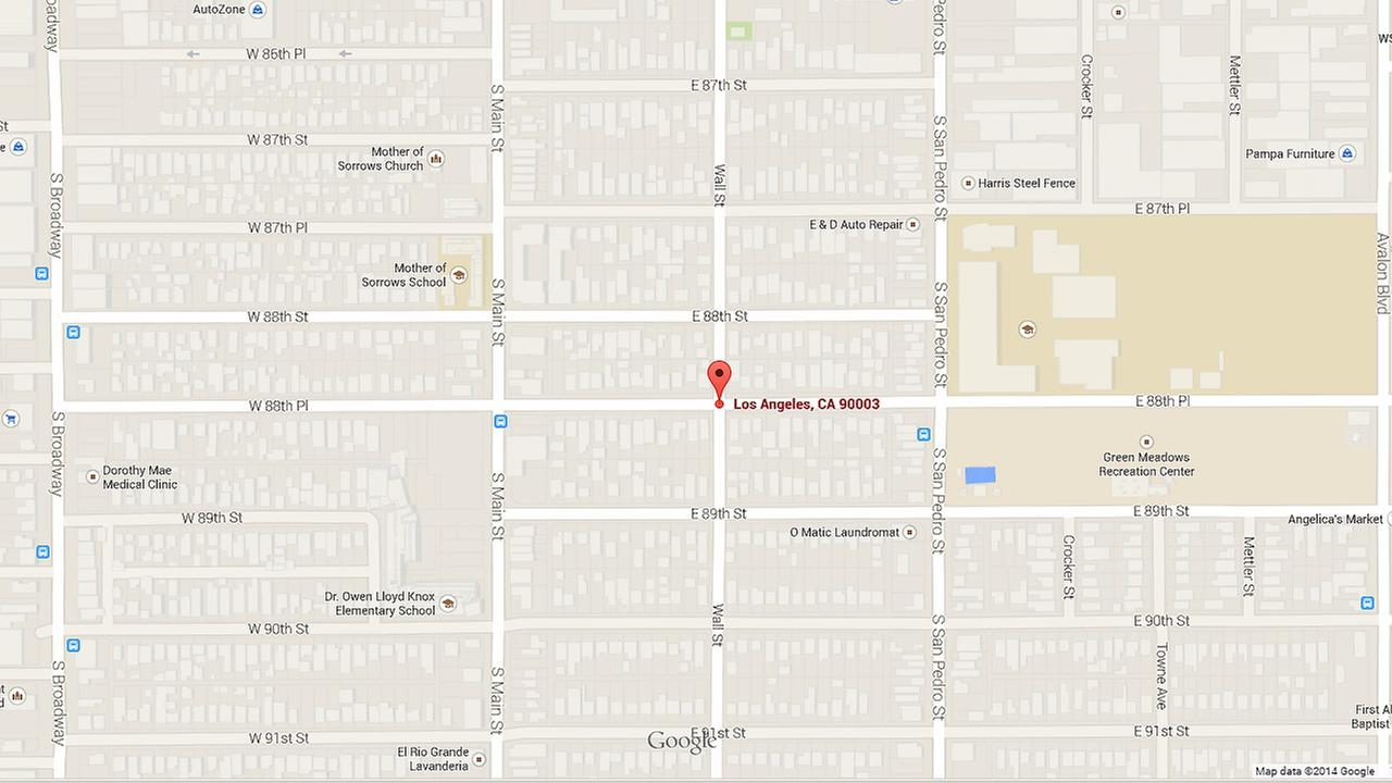 A map shows the intersection of 88th Place and Wall Street in South Los Angeles.