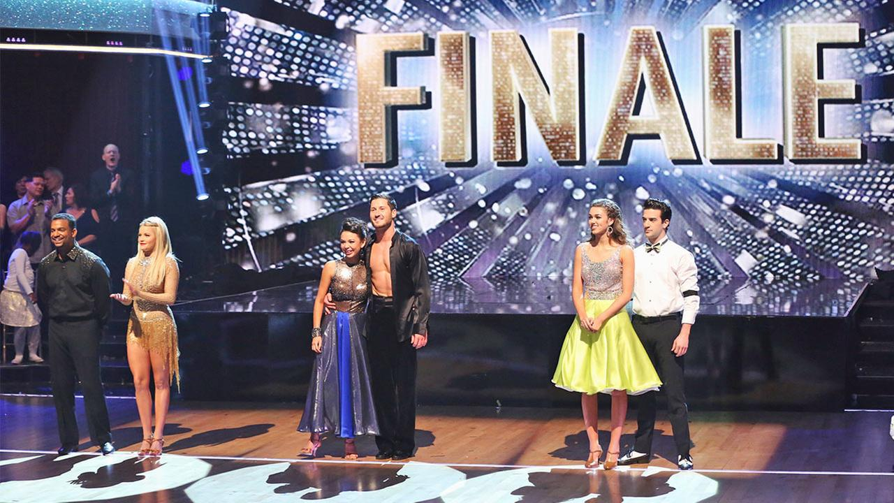 Alfonso Ribeiro, Witney Carson, Janel Parrish, Val Chmerkovskiy, Sadie Robertson and Mark Ballas appear on the Dancing With The Stars Season 19 finale on Tuesday, Nov. 25, 2014.