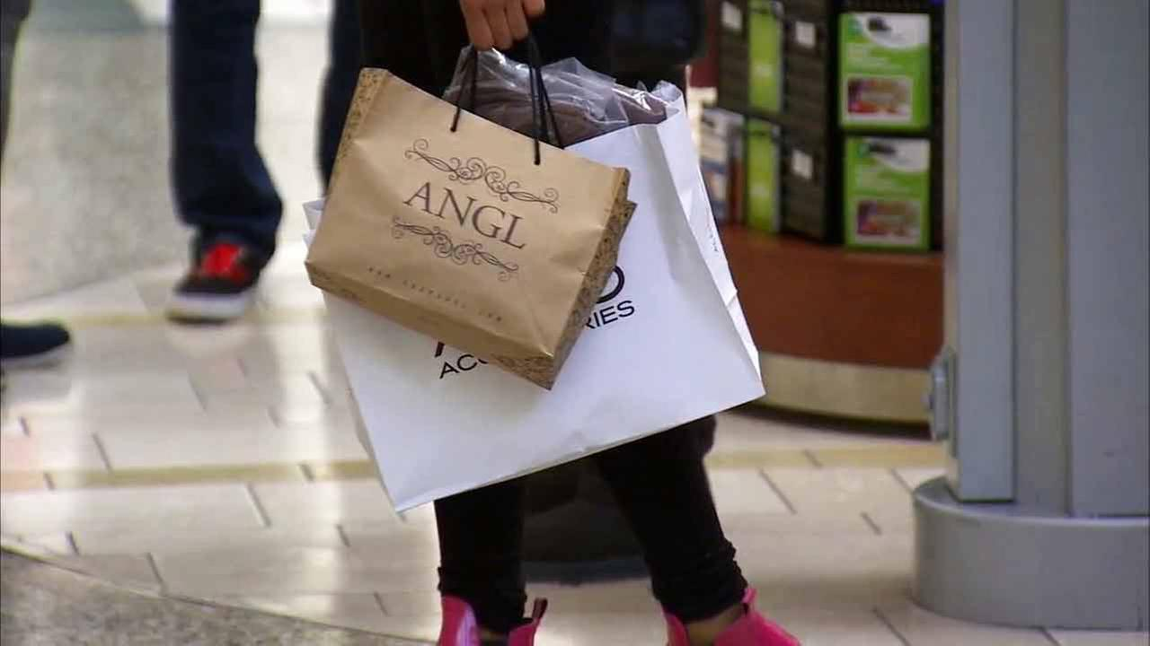 Shoppers filled Southern California malls on Friday, Boxing Day, to return or exchange gifts they received on Christmas.