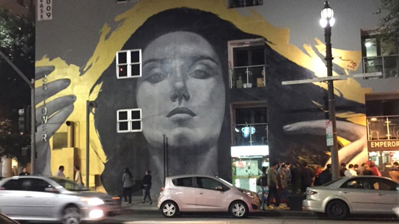 Eye on L.A. host Tina Malave visits the Downtown LA Art Walk.