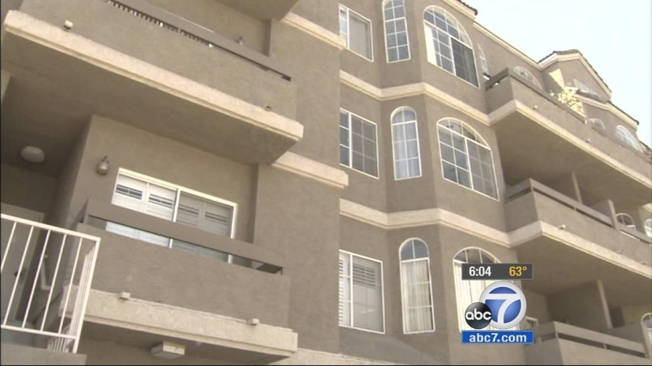 A controversial plan to reduce the earthquake risk for thousands of older apartment buildings was discussed a Los Angeles City Council meeting Wednesday.