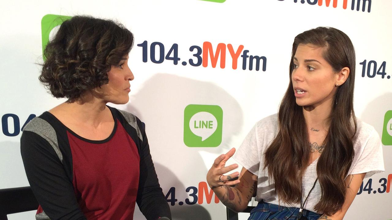 Eye on L.A. host Tina Malave chats with singer Christina Perri.