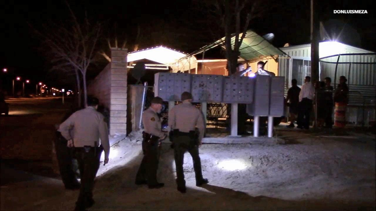 Sheriffs deputies investigate a shooting in Palmdale on Sunday, Jan. 25, 2015.