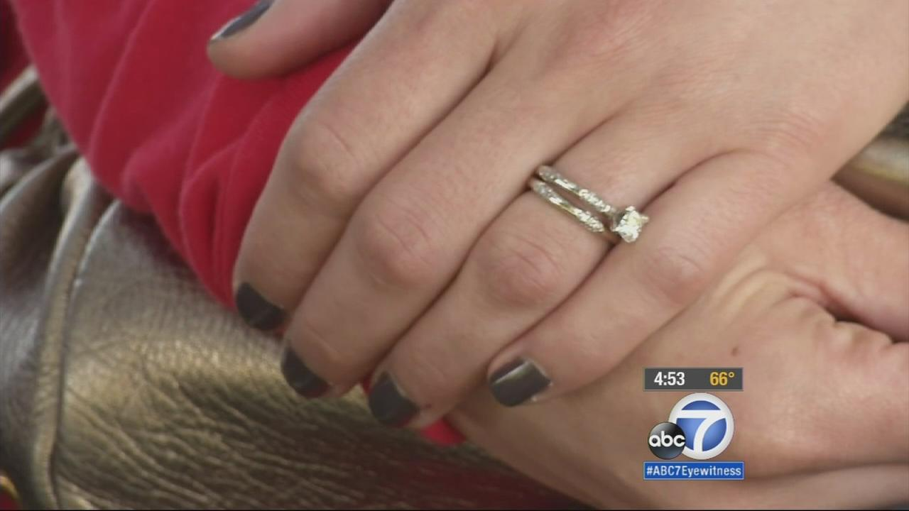 A woman who lost her diamond wedding ring set at a Thousand Oaks shopping mall was reunited with her cherished possession on Valentines Day with the help of Good Samaritans.