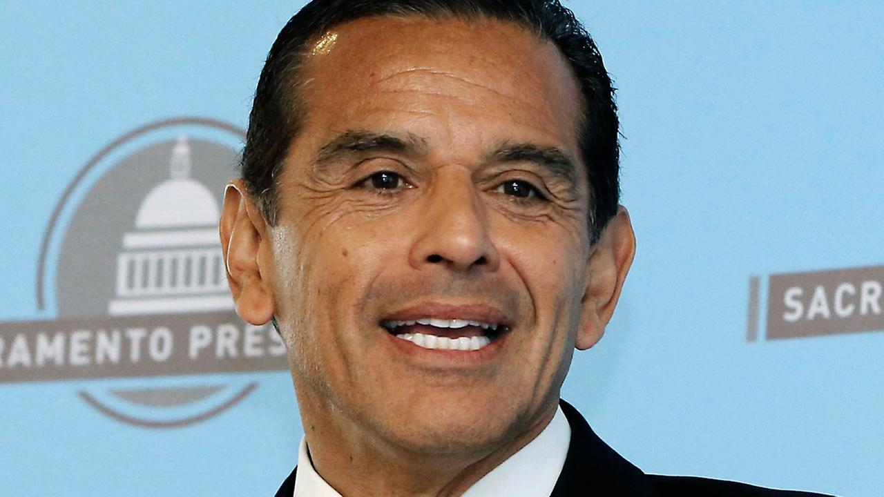 In this April 16, 2013 file photo, then-Los Angeles Mayor Antonio Villaraigosa speaks before the Sacramento Press Club in Sacramento.