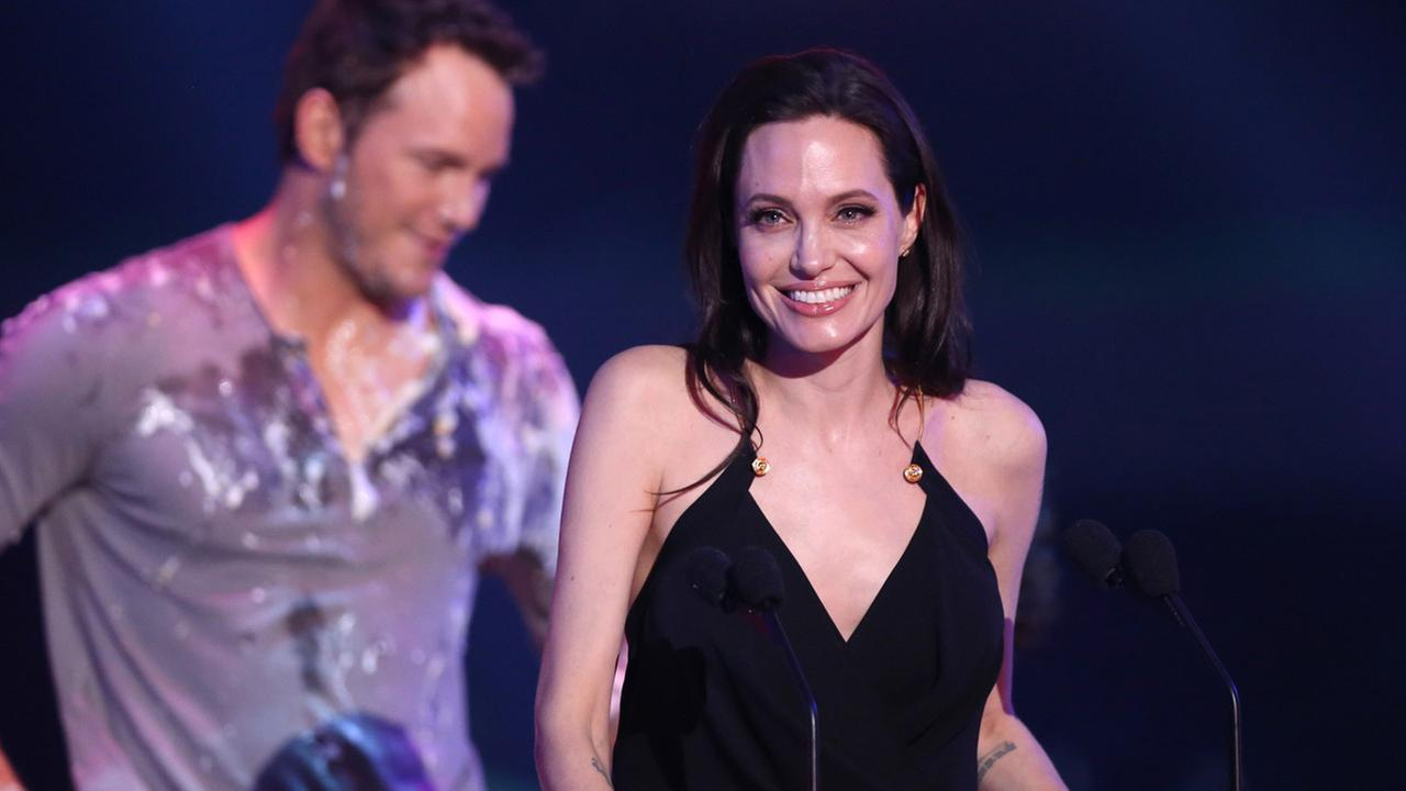 Angelina Jolie accepts the award for favorite villain for Maleficent at Nickelodeons 28th annual Kids Choice Awards at The Forum on Saturday, March 28, 2015, in Inglewood, Calif.