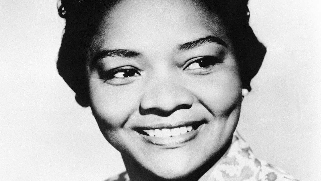 Oscar-nominated actress Juanita Moore collapsed and died Wednesday, Jan. 1 ,2014, at her home in Los Angeles. She was 99.