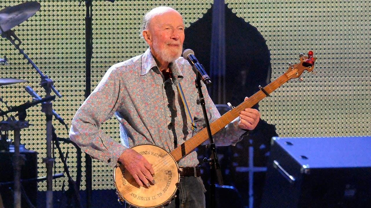 American folk singer and activist Pete Seeger died peacefully in his sleep at New York hospital on Monday, Jan. 27, 2014. He was 94. <span class=meta>(Hans Pennink)</span>