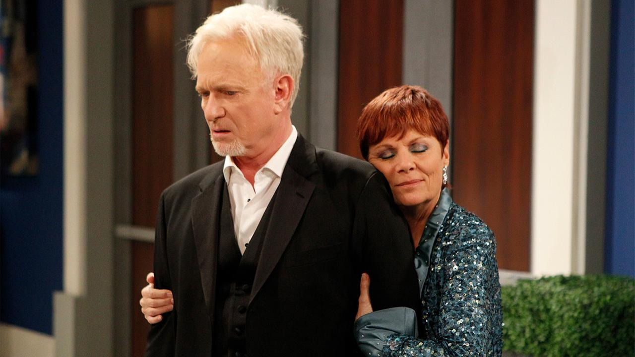 Anthony Geary, who plays Luke Spencer, and Jane Elliott, who plays Tracy Quartermaine, in a scene from ABCs General Hospital.