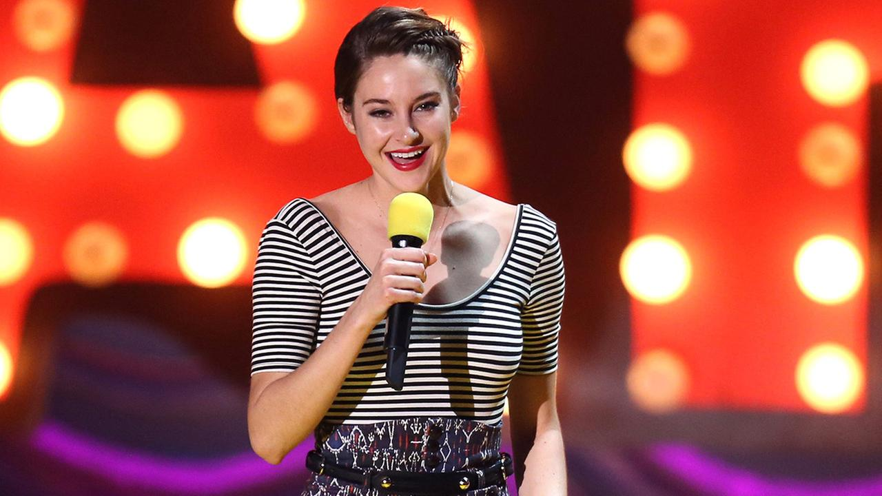 Shailene Woodley accepts the trailblazer award at the MTV Movie Awards at the Nokia Theatre on Sunday, April 12, 2015, in Los Angeles.