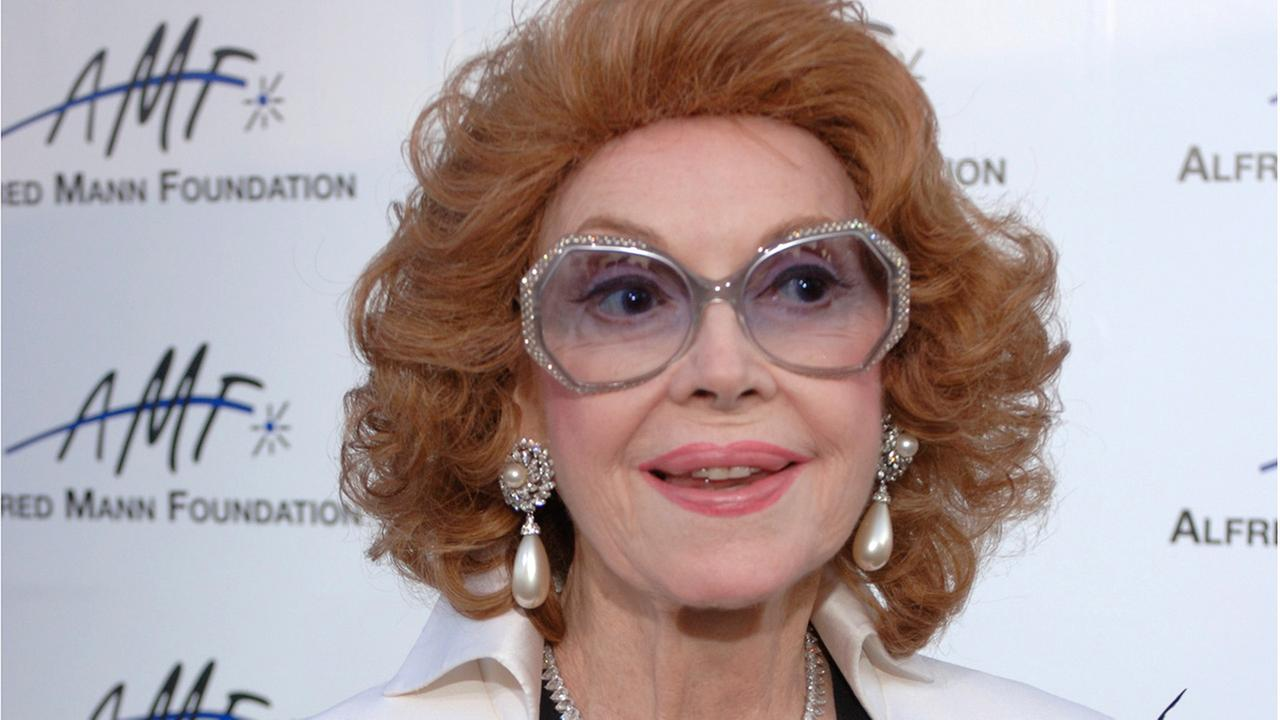 In this Sept. 9, 2006 file photo, actress Jayne Meadows arrives for the 3rd annual Alfred Mann Foundation Innovation and Inspiration Gala held in Beverly Hills, Calif.