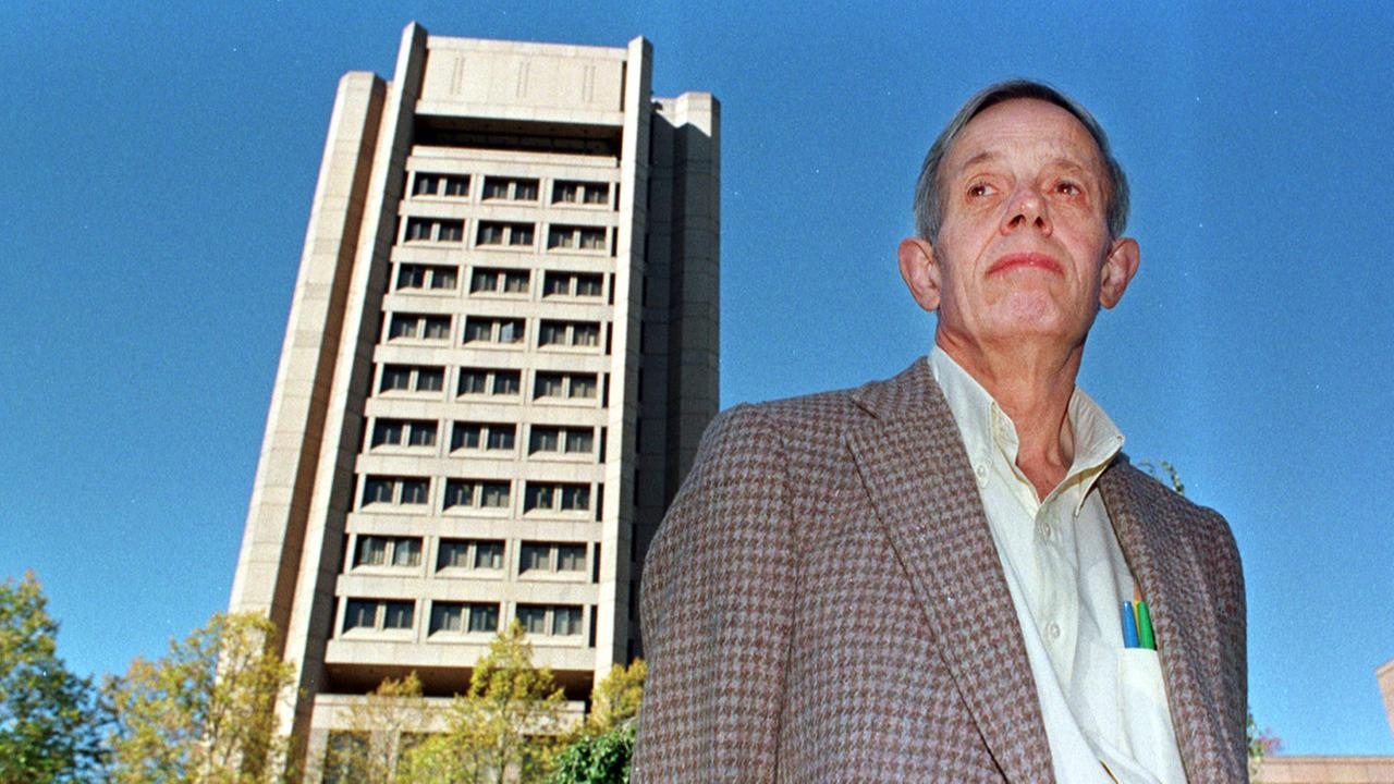 Princeton University professor John Nash poses on the universitys campus in Princeton, N.J. Oct. 11, 1994.