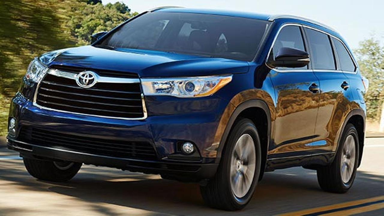 toyota recalls 2014 highlander models due to airbag issue. Black Bedroom Furniture Sets. Home Design Ideas