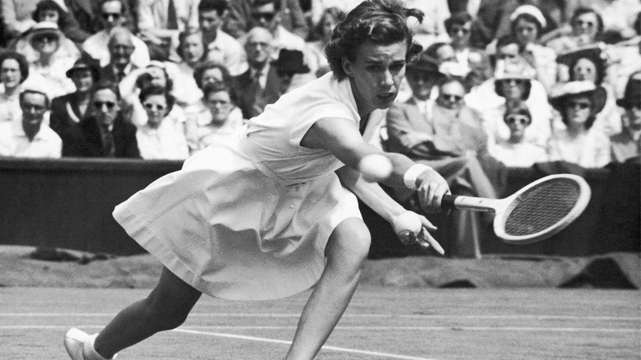 Tennis great Doris Hart, who won each Grand Slam tournament at least once, and once won three Wimbledon titles in a single day, died Friday, May 29, 2015 at the age of 89.AP Photo/Leslie Priest