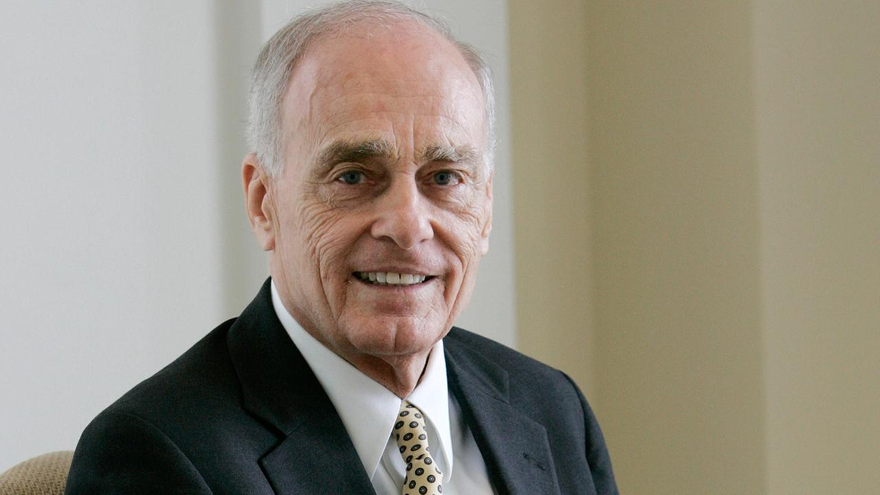 Vincent Bugliosi, the prosecutor in the Charles Manson trial who went on to write the best-selling true-crime book, Helter Skelter, died Monday, June 8, 2015. He was 80.Tony Gutierrez