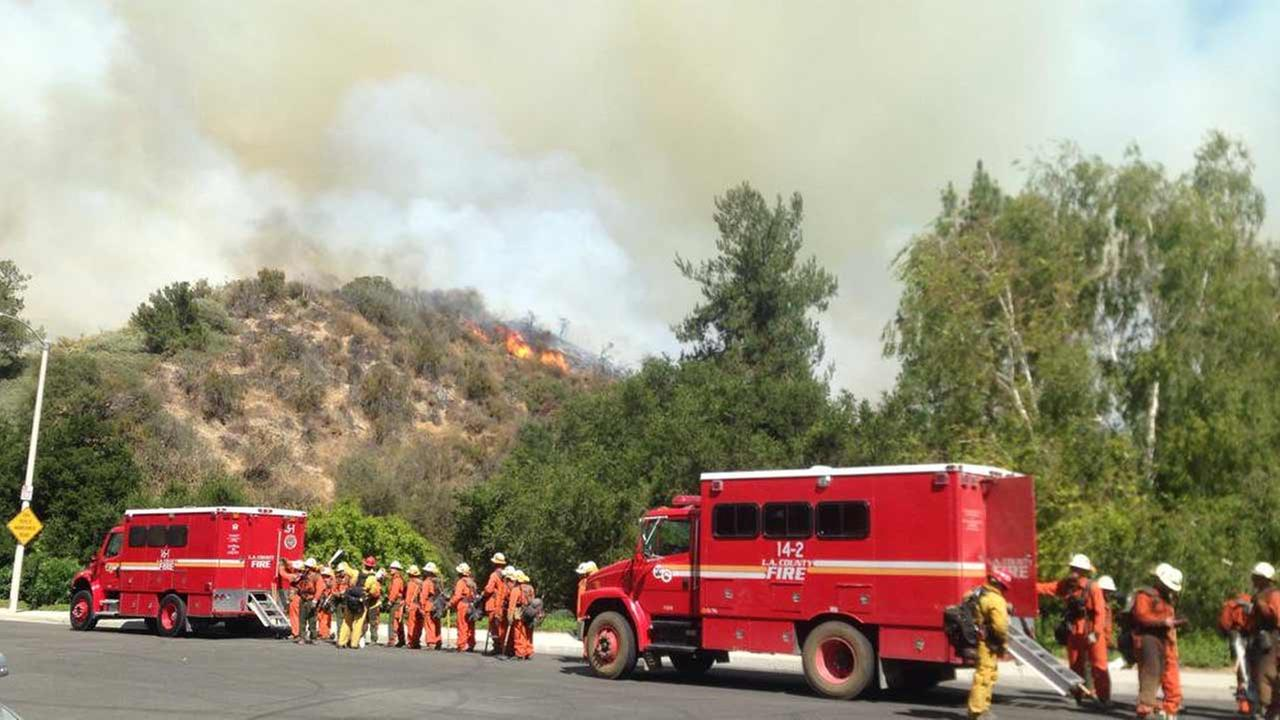 See photos and video of the Calgrove Fire in the Santa Clarita area from Eyewitness News viewers.