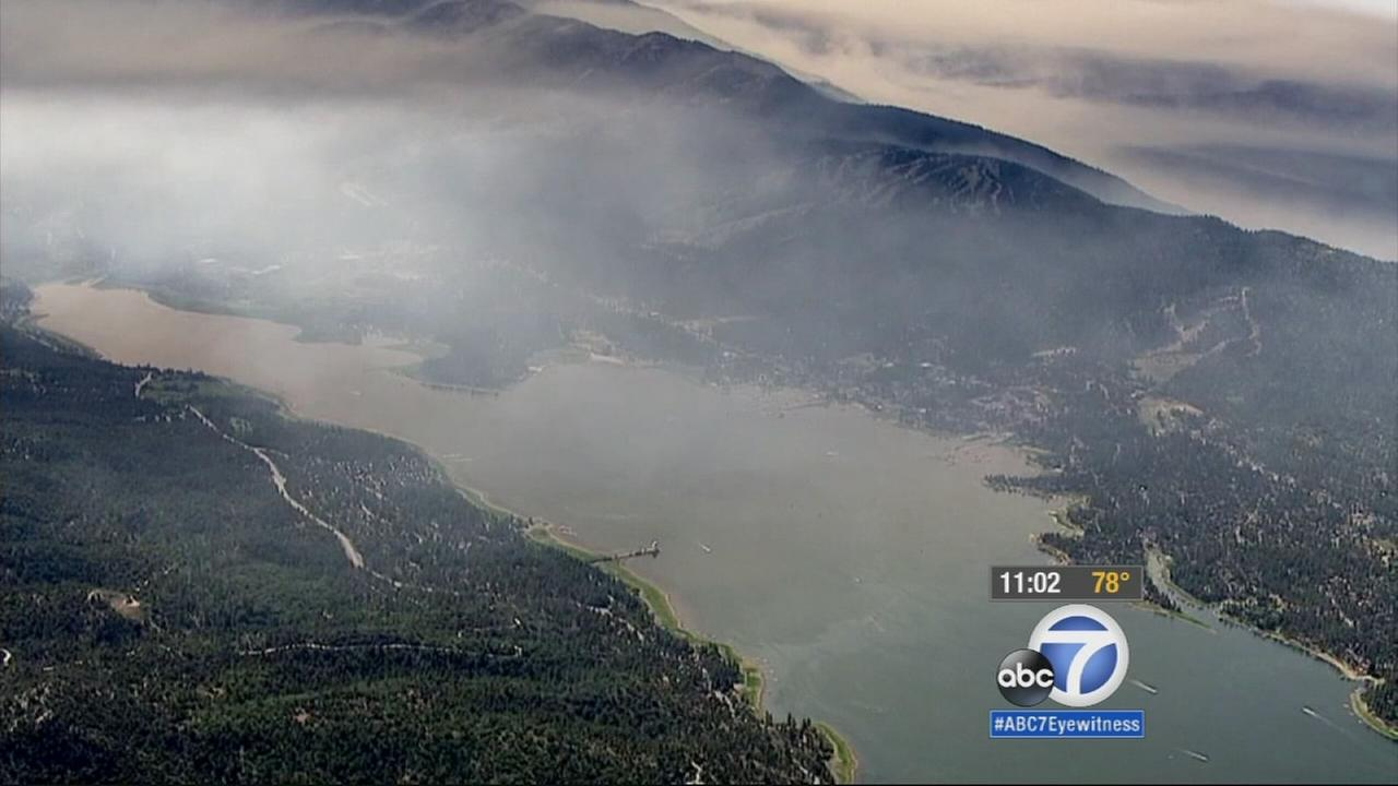 Smoke rises from the Lake Fire in the San Bernardino Mountains on Thursday, June 25, 2015.