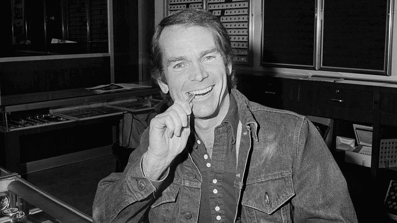 Dean Jones, 1960s Disney star, dies of Parkinsons Disease at age 84. Sept. 2.