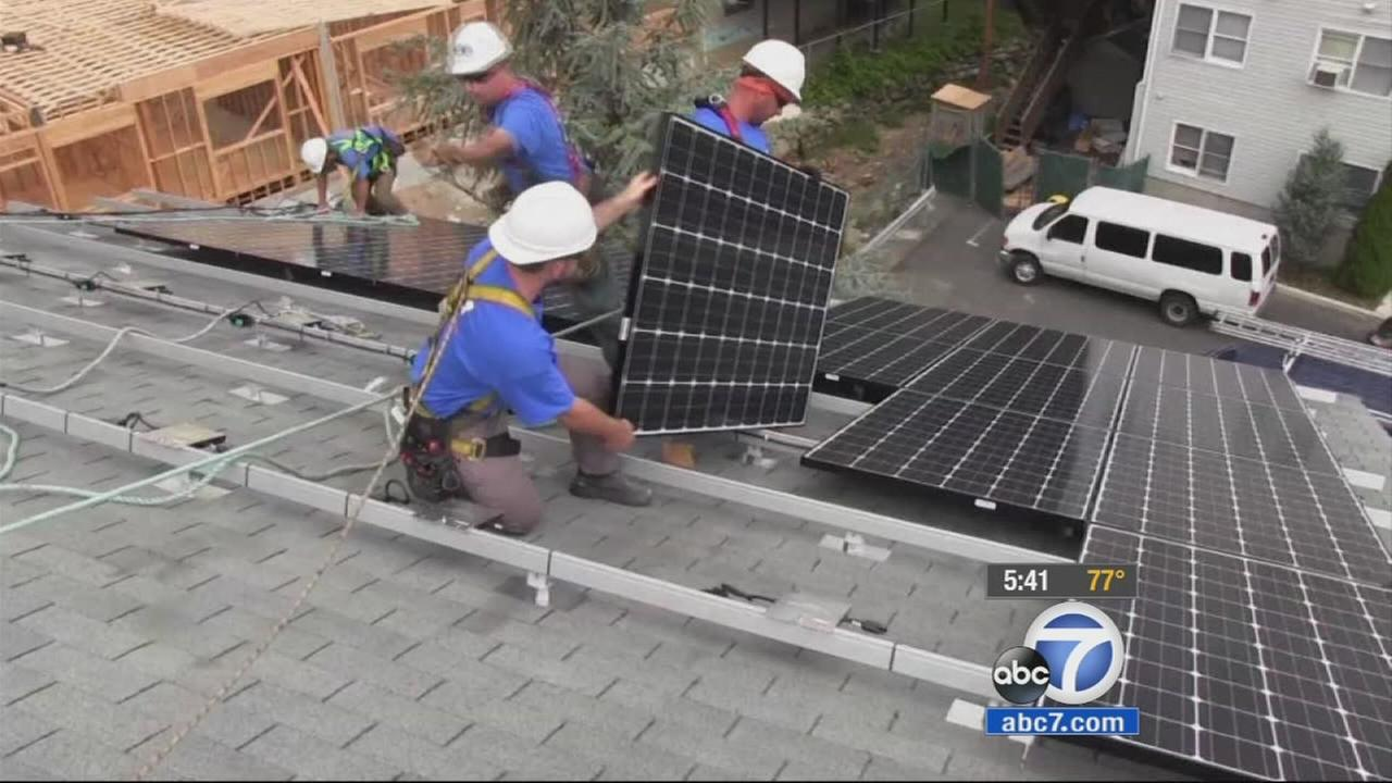 Experts advise various payment options for solar energy panels that wont break the bank.