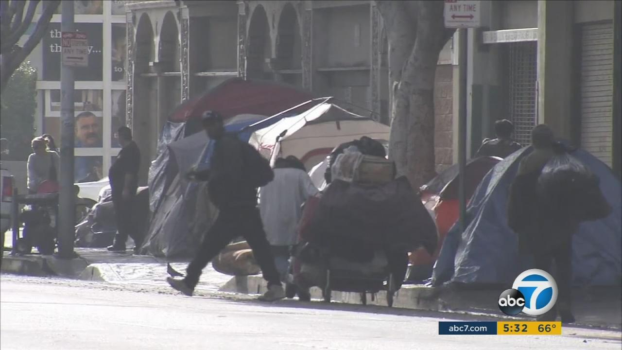 City leaders are trying to help the homeless in Los Angeles before El Nino-powered storms strike the Southland.